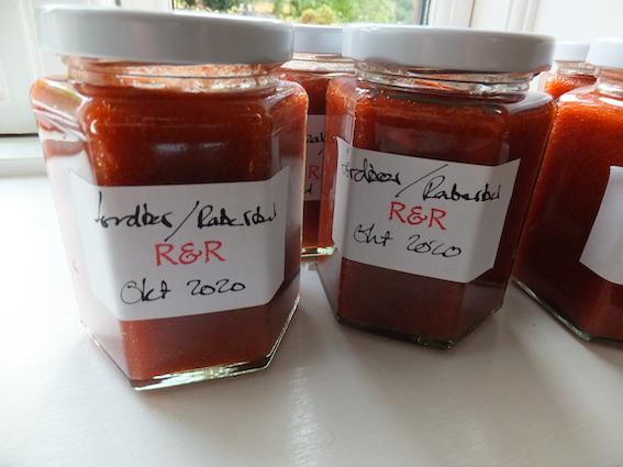 Marmelade af jordbær og rabarber