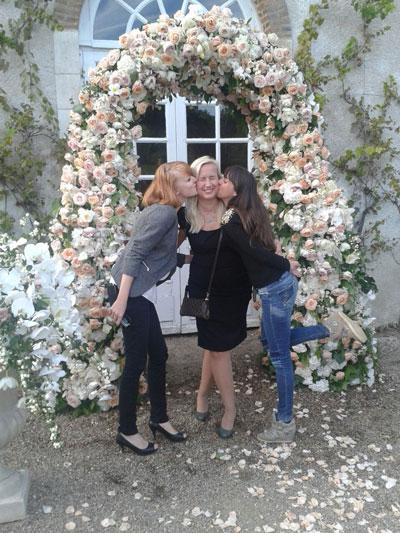 karen-tran-fleurs-luxe-master-class-americain-fleuriste-reflets-fleurs-paris-france-fleurs-haut-de-gamme-prestige-arche-de-fleurs-ceremonie