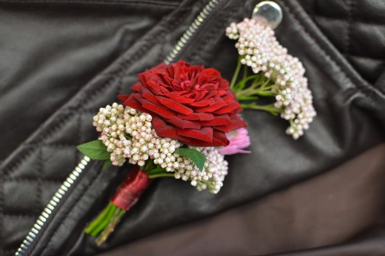 boutonniere mariage reflets fleurs