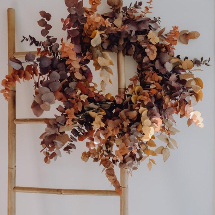 Couronne-eucalyptus-automne-reflets-fleurs-novembre