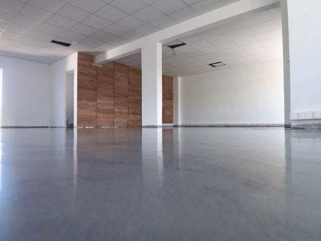 la gran ventaja de los sistemas de cemento pulido es el coste el precio por metro oscila entre 20 y 40 m2 - Microcemento Pulido