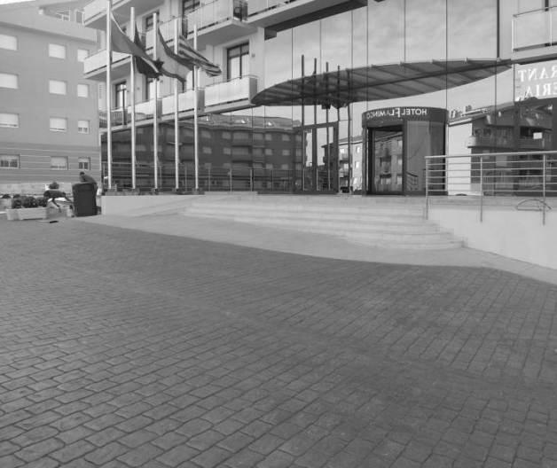 hormigón impreso en entrada de hotel