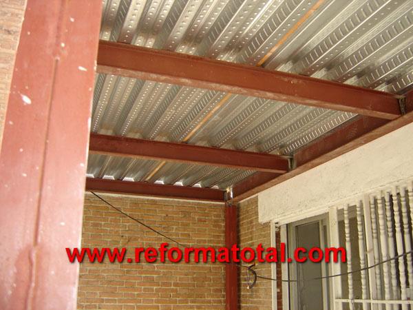 Cubierta reforma total en madrid empresa de reformas y - Estructura metalicas para casas ...