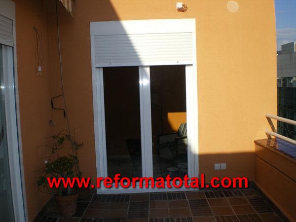 040 020 fotos cerramientos aluminio reforma total en for Cerramientos aluminio precios