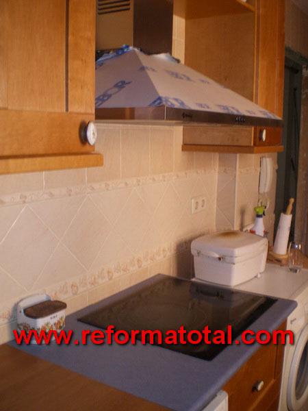 045 07 imagenes instalacion cocina reforma total en - Instalacion campana extractora ...