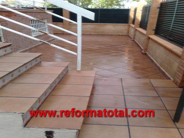 Escaleras exterior reforma total en madrid empresa de for Azulejos para patios exteriores