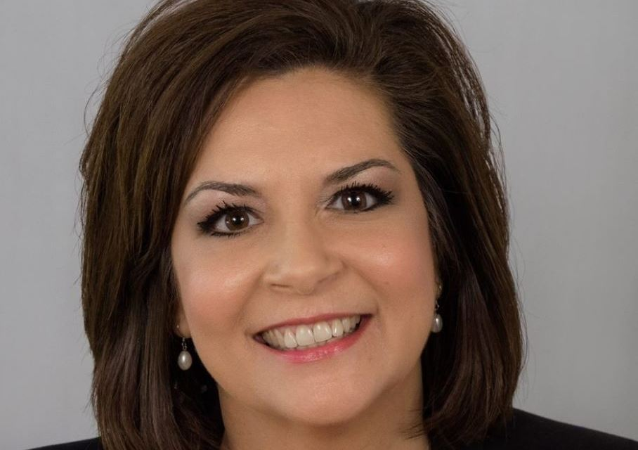 Cynthia Flores won't listen to Texans