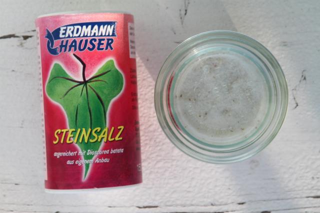 Steinsalz mit Lichtyams ist schwer zu finden - mal bei »Veganz« oder »Basics« nachfragen.