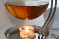 Zur Teezubereitung leistet die Kanne von Mono gute Dienste