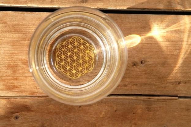 Wasserglas »Mythos» mit Blume des Lebens, geformt nach dem Gesetz des goldenen Schnitts
