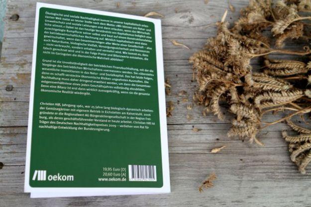 Richtig rechnen! - Durch die Reform der Finanzbuchhaltung zur ökologisch-ökonomischen Wende, Oekom-Verlag, 19,95 €