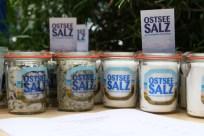 Salz aus der Ostsee - von Hand hergestellt - auf Gut Eckhof bei Strande in Schleswig Holstein