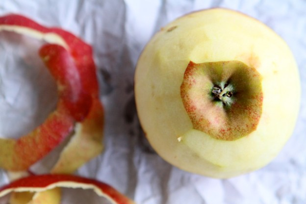 Äpfel schälen, ist das gesünder? In manchen Fällen schon