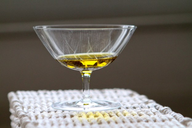 Wissen wir eigentlich, wie echtes Olivenoel schmeckt: leicht scharf, bitter und fruchtig?