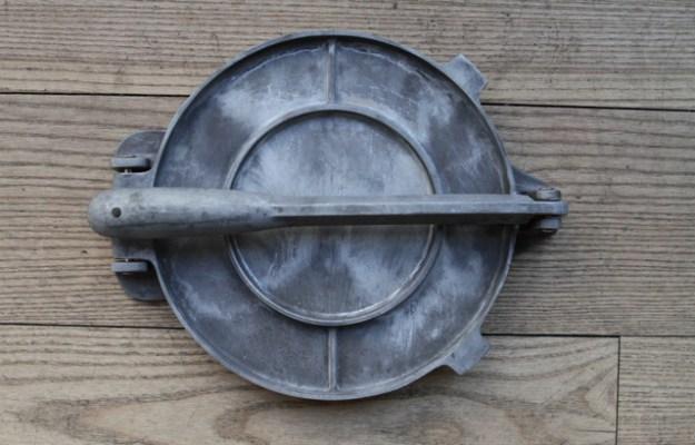 Pataconera zur Herstellung von Tortillas, Patacones, Tostones, Empanadas, Arepas und anderem