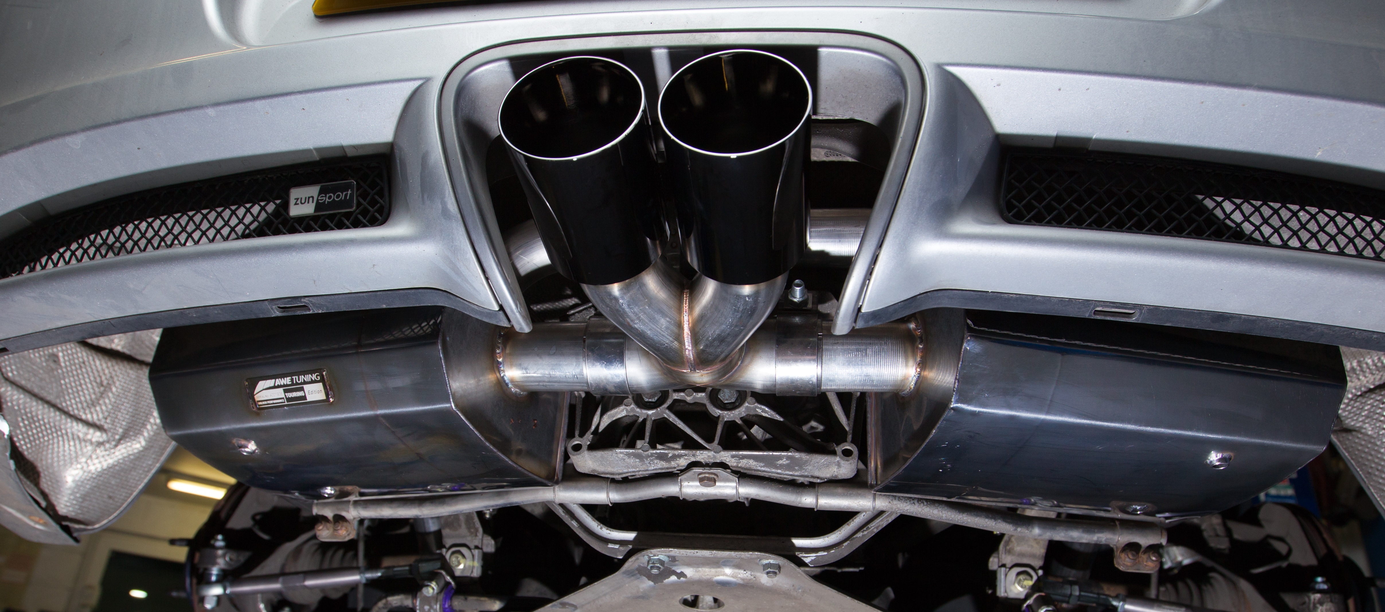 Customer Cayman S 987 Project: AWE Tuning Exhaust - Regal