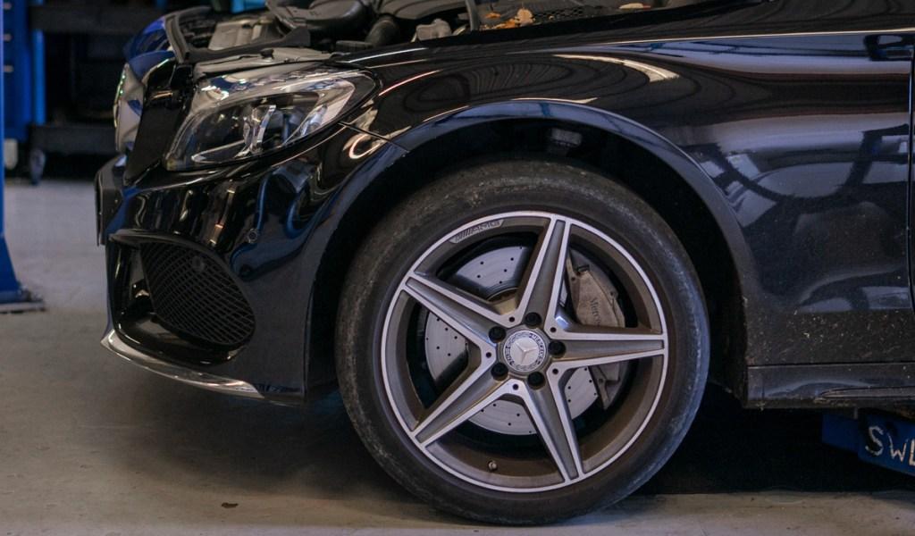 Mercedes-service-4