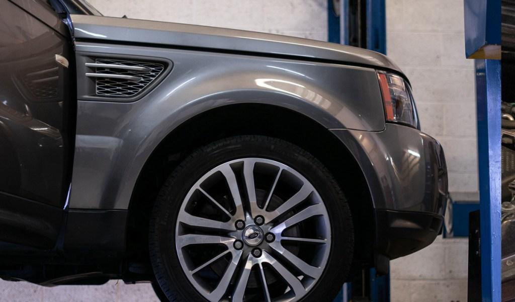 Range-Rover-service-3