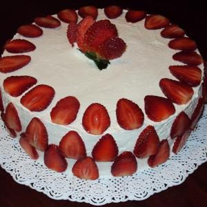 Cake 004 - strawberry sweet fruit cake