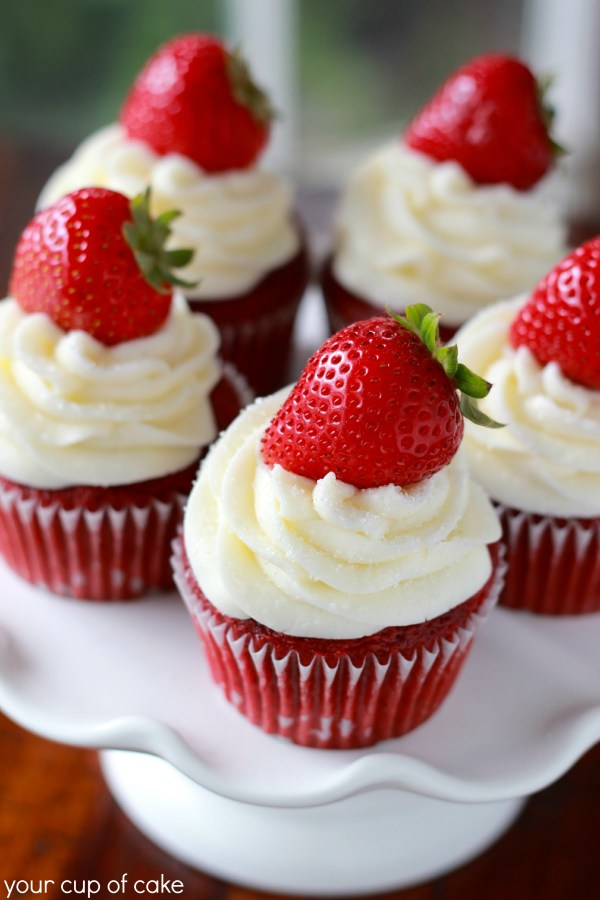 Strawberry-Red-Velvet-Cupcake