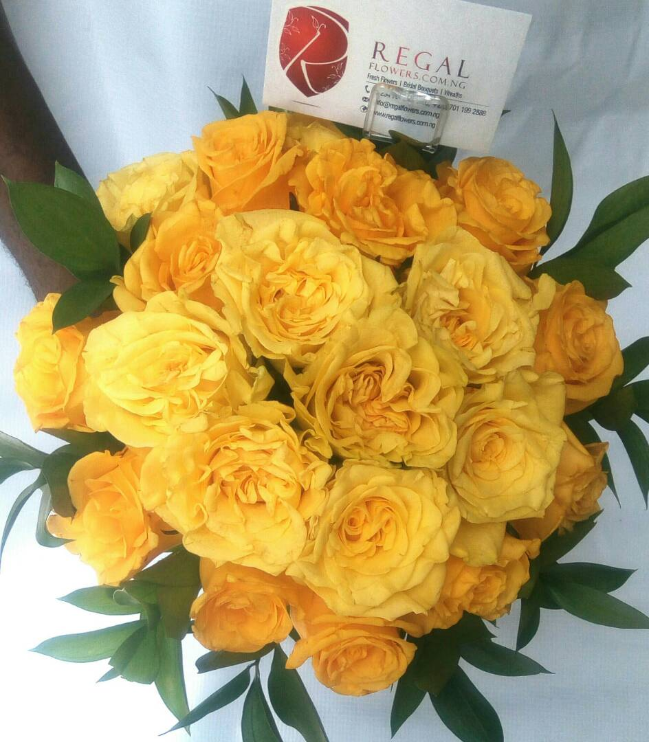 Golden Love Luxurious Bouquet Of Yellow Roses Select Size