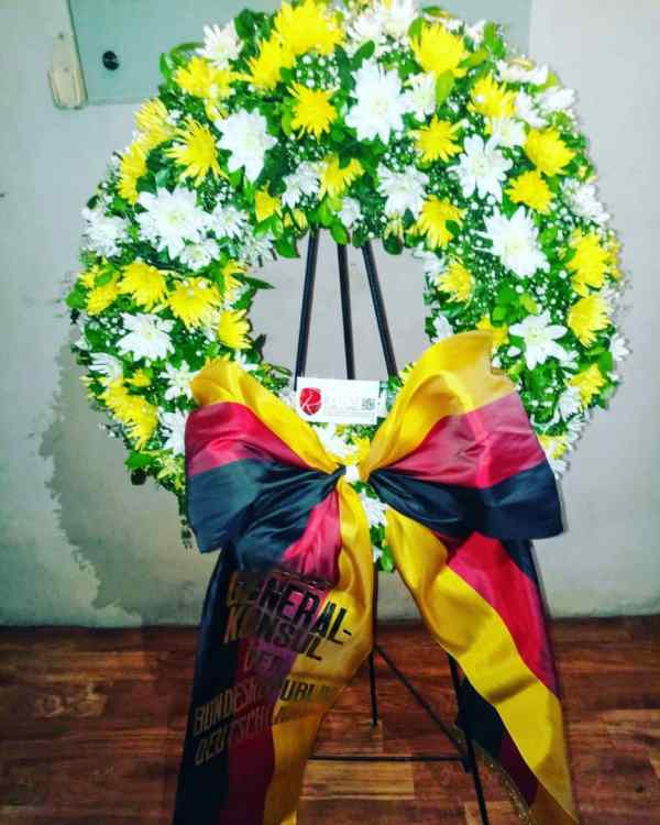 Funeral wreath Always in our heart largest
