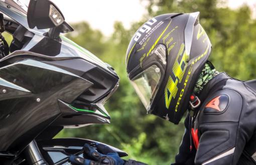 come scegliere casco moto