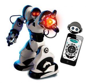 robot giocattolo per bambini che balla a ritmo di musica