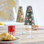 Hacer pequeñas lámparas de mesa con copas y pantallas de papel