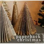 Manualidades de Navidad: árbol de papel con viejos libros reciclados