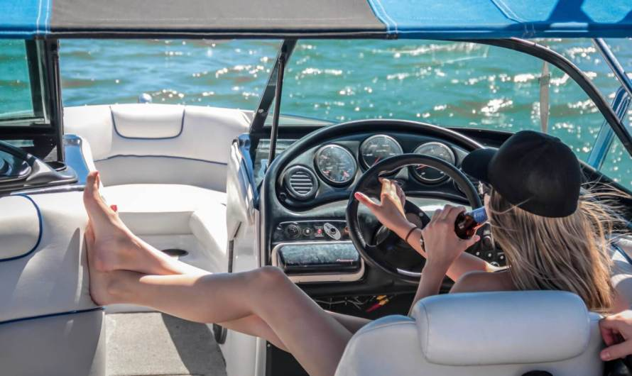 14 Best Boating Apps for Android and iOS
