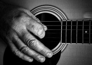 Cover corso di chitarra terza età