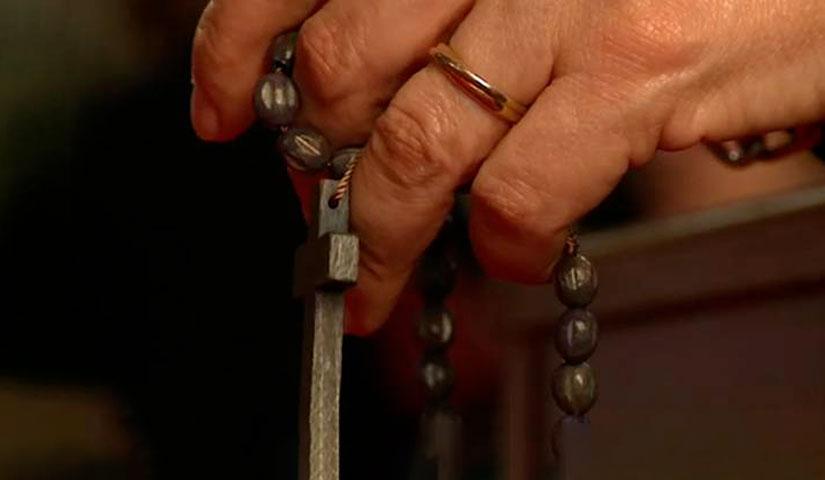 recitare il rosario solo con la bocca