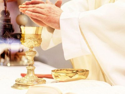 Il Rosario prima della Santa Messa