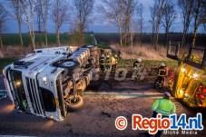 27mrt2015_Vrachtwagen op zijn kant N305 Zeewolde_0696