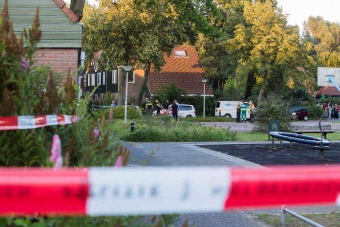 Man in auto doodgeschoten Rendier Huizen_09sep2015_0768