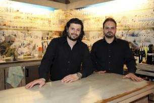 Dino (l.) und Babi Messiakaris setzen auf die Esskultur ihrer Heimat.