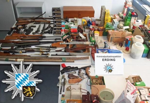 Illegales Waffenlager in Vaterstetten Quelle Foto Polizei Oberbayern