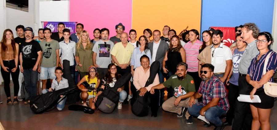 Más de 100 artistas locales brindarán su show en la Feria de la Fiesta del Sol