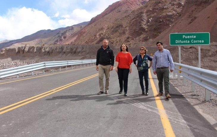 El Paso de Agua Negra suma 14 km pavimentados y un nuevo puente