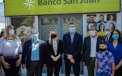 Banco San Juan inauguró cajeros automáticos en Calingasta