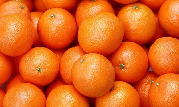 В Запоріжжі молодик розрахувався за мандарини сувенірними грошима (ФОТО)