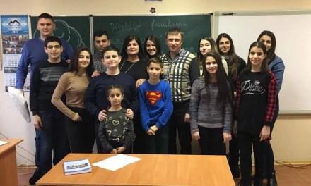 """Вірменська школа """"Нарек"""" отримала інтерактивний подарунок від активістів"""