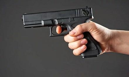 """Запоріжець вистрілив у водія """"Мерседесу"""", що наїхав на вагітну жінку"""