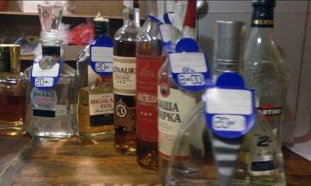 Алкоголь без акцизів та відсутність документів, – звичайні будні запорізьких кафе – відео