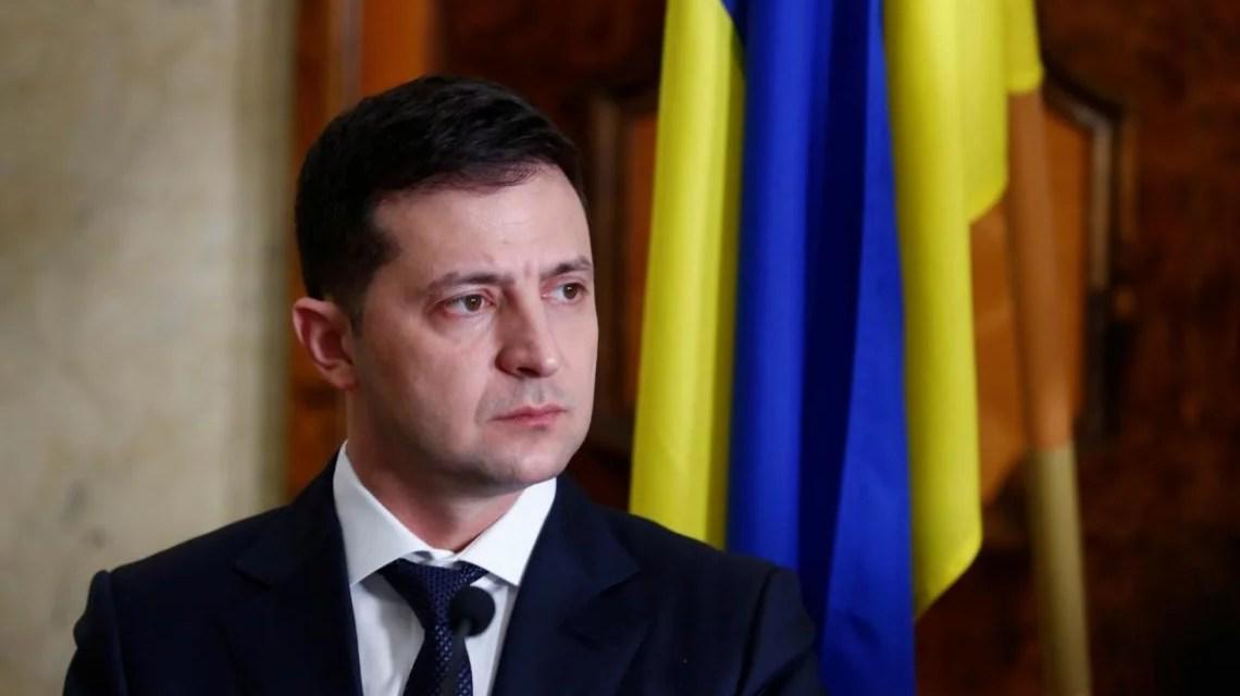 """Зеленський відкликав поданий ним раніше проєкт закону """"Про внесення змін до Конституції України"""""""