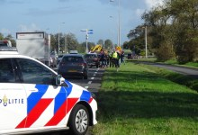 Photo of Drie auto's bij aanrijding op N99