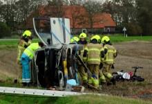 Photo of Twee gewonden bij eenzijdig ongeval Slootweg (N240)