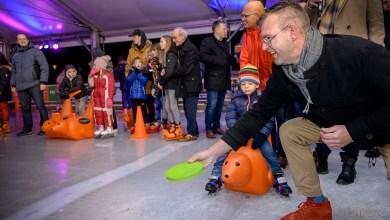 Photo of IJsbaan op de Beatrixstraat officieel geopend