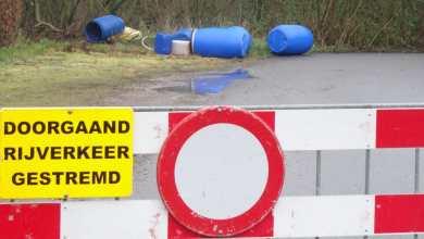 Photo of Vaten met chemische inhoud op terrein buitenzwembad Nieuwe Niedorp